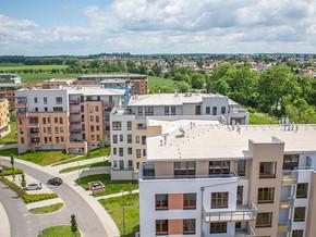 Pohled z terasy budovy Mateřídouška